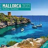 Mallorca 2022, Wandkalender / Broschürenkalender im Hochformat (aufgeklappt 30x60 cm) - Geschenk-Kalender mit Monatskalendarium zum Eintragen